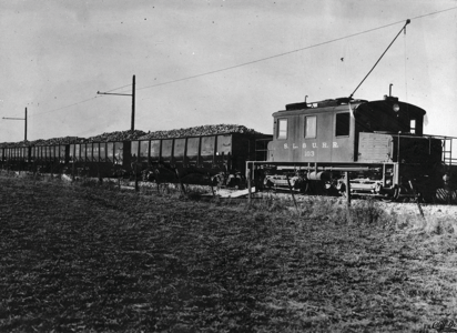 Orem Line Carrying Supplies